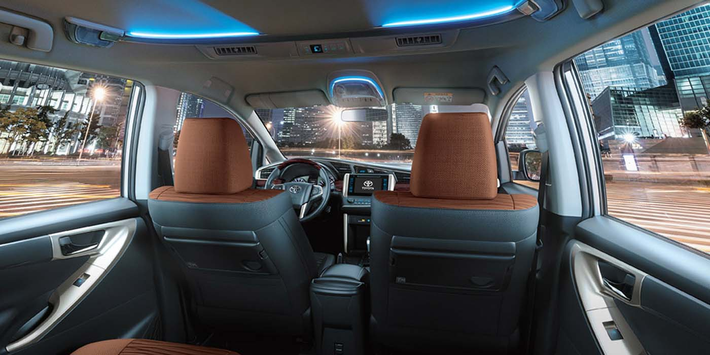 Toyota Innova Front I Rent-A-Car Palawan